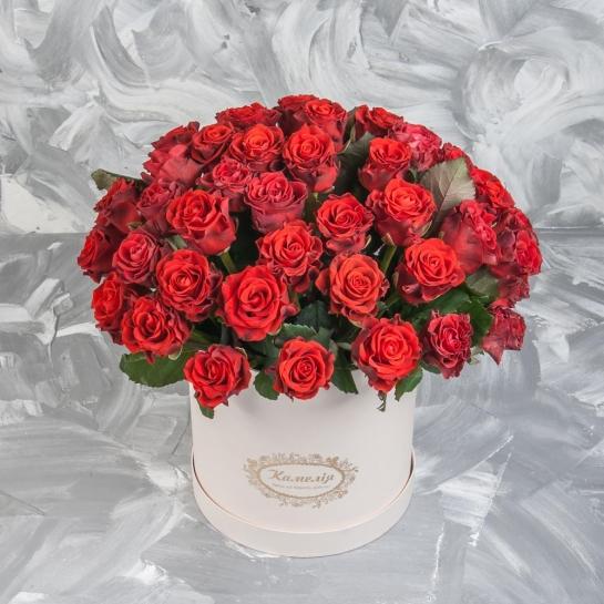 Розы Эль Торо в шляпной коробке