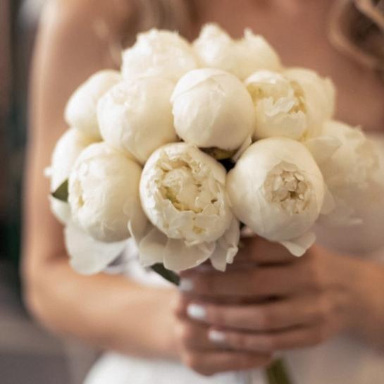 Букет невесты из голландских пионов
