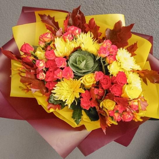 Осенний букет с хризантемами