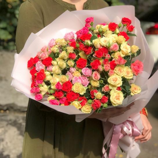 Букет из 21 розы спрей
