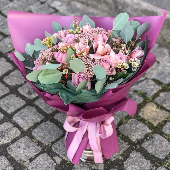 Букет № 1500 с тюльпанами