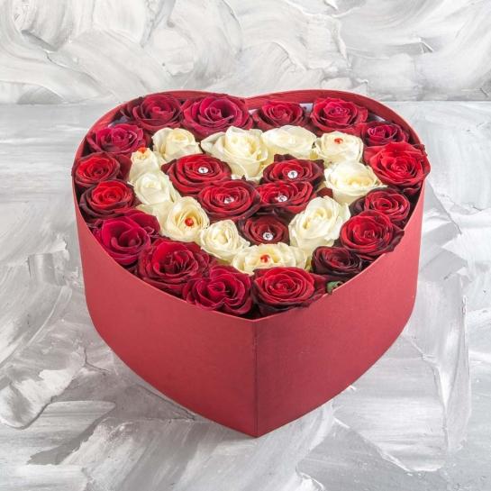 Сердце красное с белым