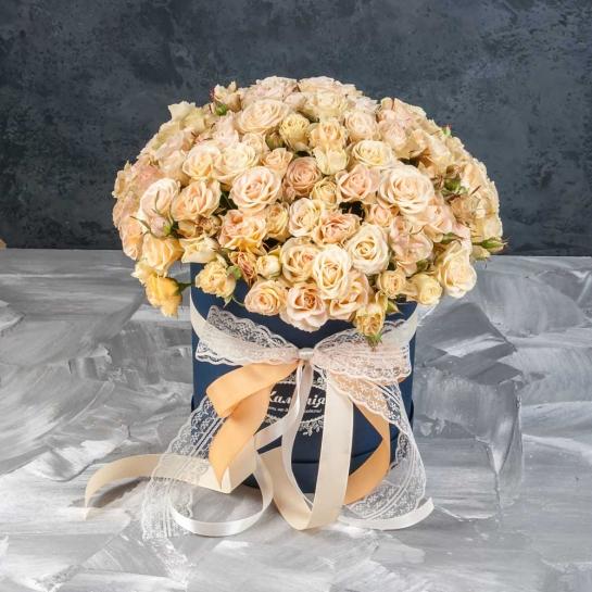 Розы Елена в шляпной коробке