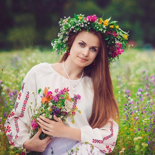 17 мая одень вышиванку - получи скидку -10% на цветы